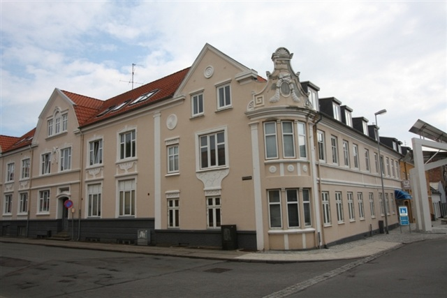 lejlighed søges i århus escort dansk