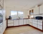 Hus/villa Ikke møbleret (se tekst) 185 kvm moderniseret villa i Åbyhøj (Aarhus) med flot udsigt fra 1. sal. Udlejes i 1-2 år og med mulighed for yderligere forlængelse!
