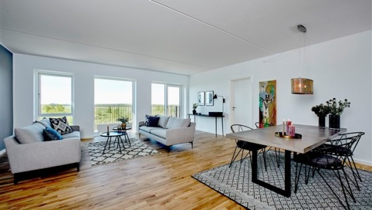 Lejlighed Super 4 værelses lejlighed med skøn placering!