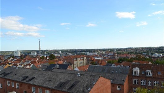 Lejlighed 2½ værelses lejlighed i Randers C med udsigt over midtbyen