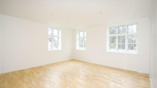 Lejlighed 4 værelse lejlighed