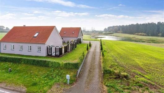 Hus/villa Til den kræsne, udlejes ejendom til beboelse i naturskønne omgivelser